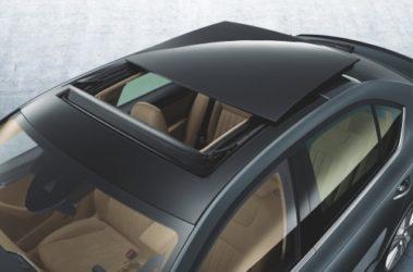 Octavia - střešní panoramatické výsuvné okno