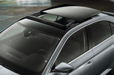 Superb - střešní panoramatické výsuvné okno