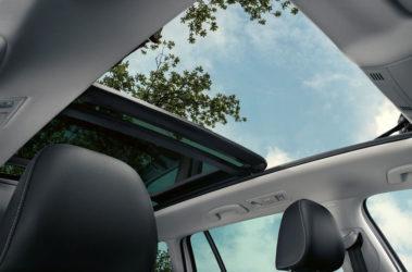 Golf Variant - panoramatické posuvné střešní okno