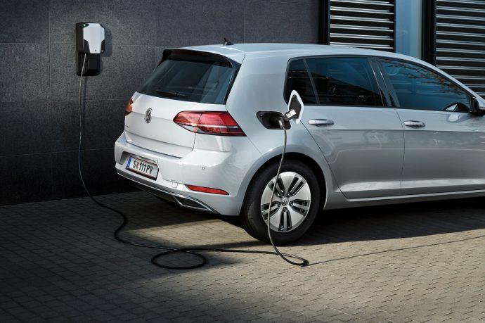 Volkswagen e-Golf nabíjení